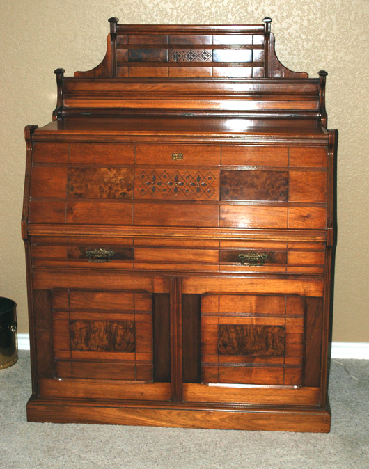 Furniture Specific: Elegant (?) Eastlake