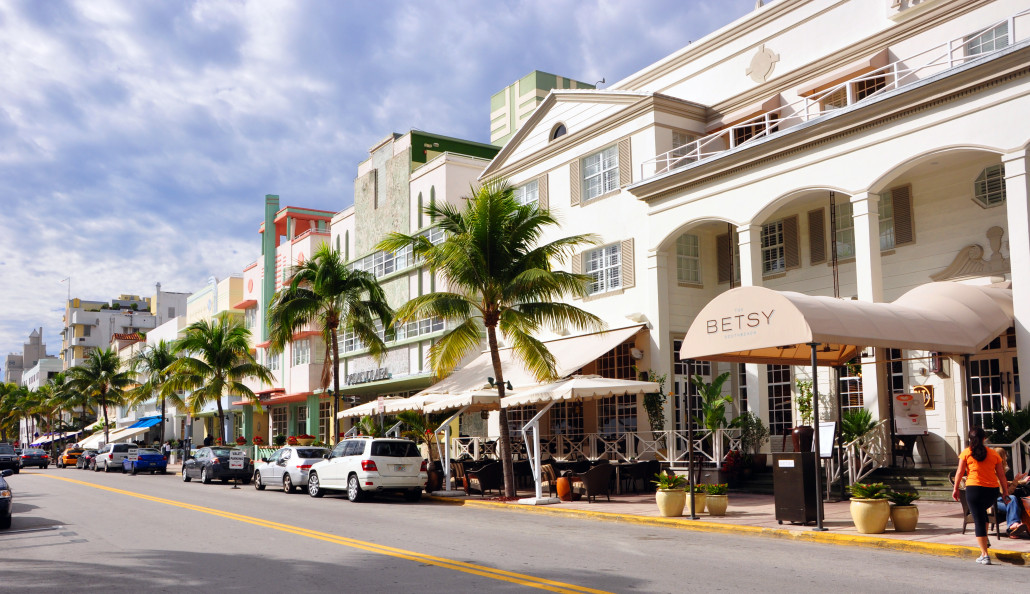 Iconic Ocean Drive in South Beach is home to many architecturally important Art Deco buildings, as well as new buildings designed with a compatible aesthetic. Photo by chensiyuan, licensed under the Creative Commons Attribution-Share Alike 4.0 International, 3.0 Unported, 2.5 Generic, 2.0 Generic and 1.0 Generic license.