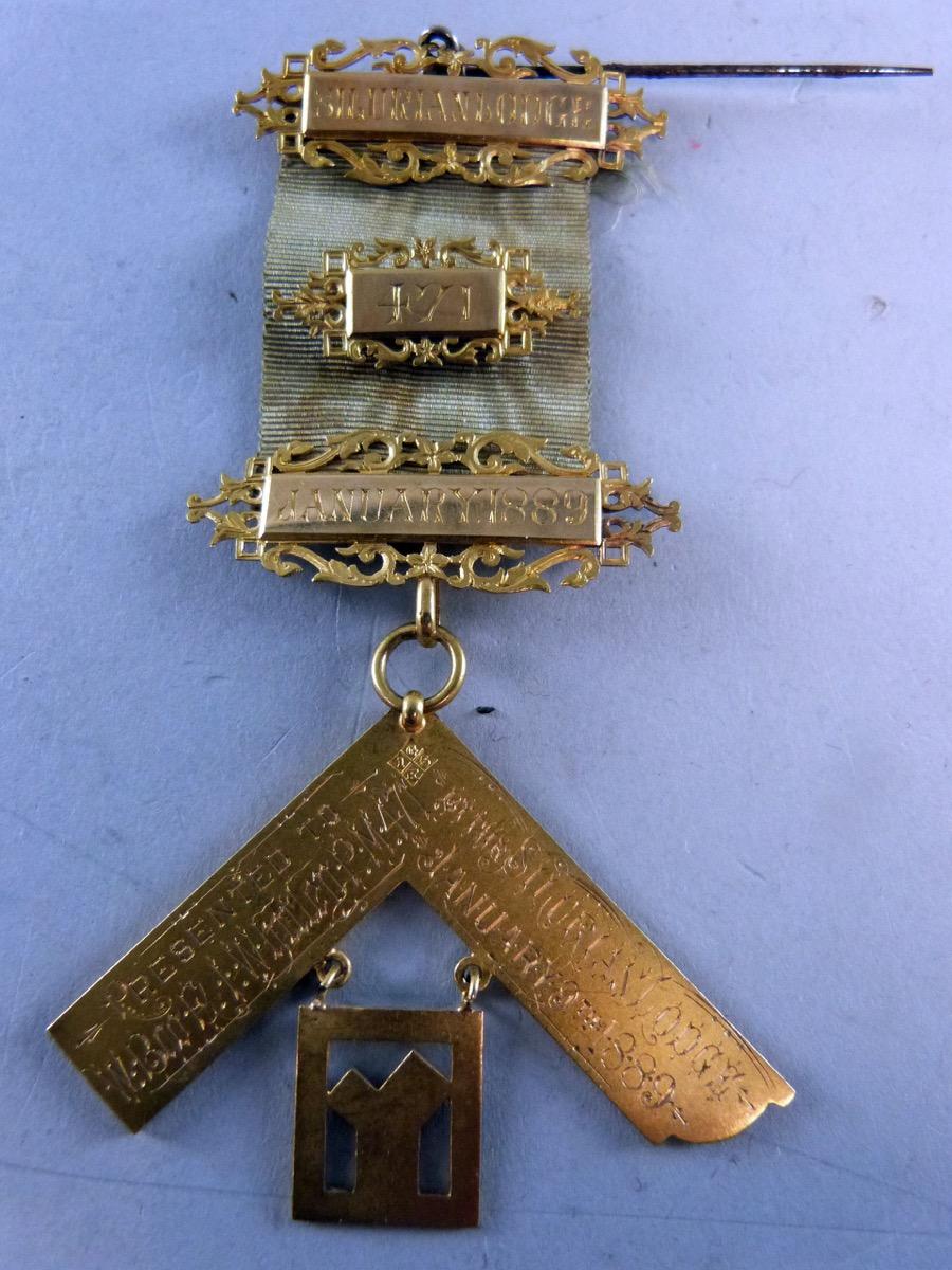 Miscellaneana: Freemasonry memorabilia comes with a price