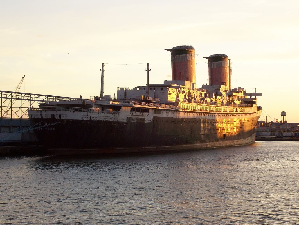 The SS United States docked in Philadelphia. Image by Mpftmead, courtesy of Wikimedia Commons