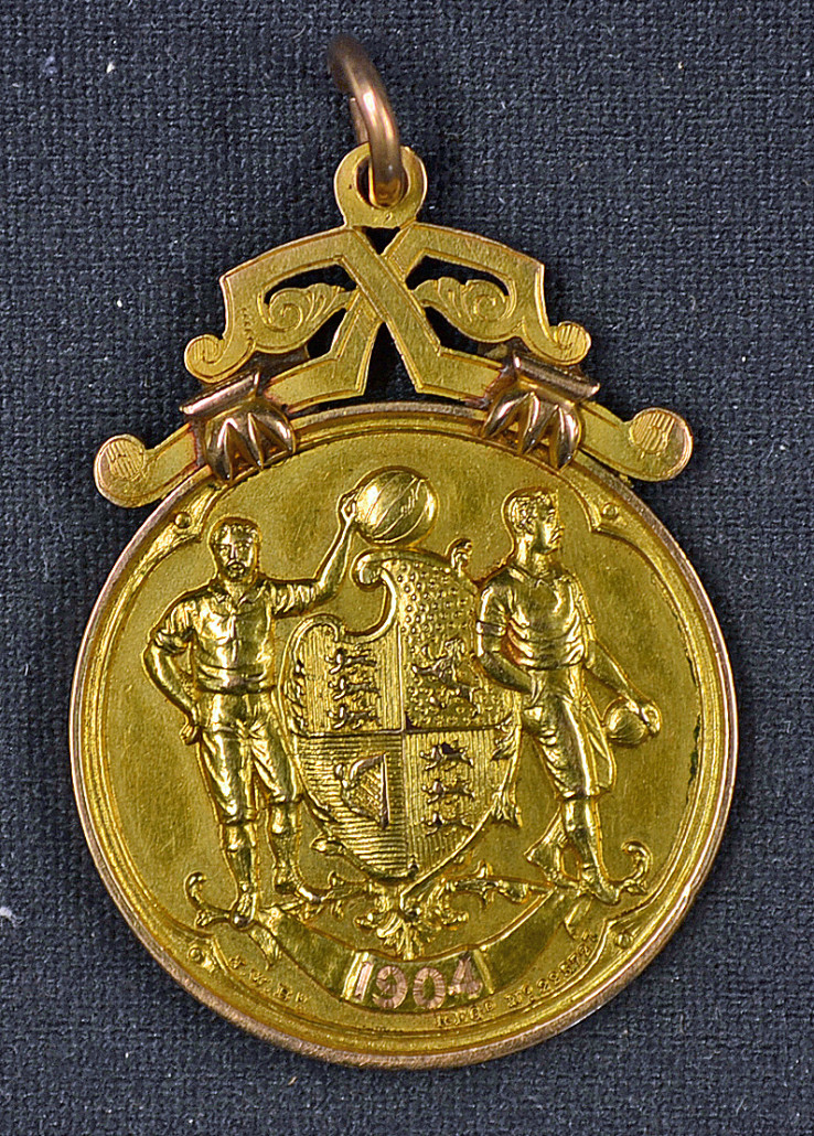 1904 FA Cup championship medal awarded to Manchester City's Sam Ashworth. Mullocks image