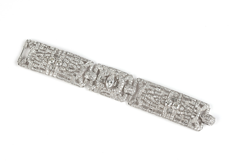An exceptional example of late Art Deco design in platinum and diamonds, this bracelet struck a chord with floor bidders, earning $27,000 (est.: $25,000/35,000).